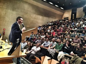 conferencia motivacional-charla motivacion-Espiritu gonzalez-San Fernando-foto 2